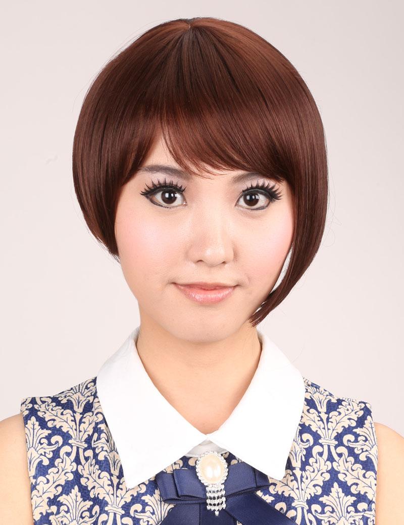 时尚短发女生蓬松斜刘海bobo头修脸实拍